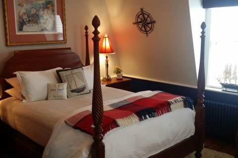 Cape Cod Accommodation - Race Point Light - Bed Area